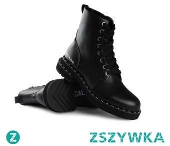 Czarne botki Calvin Klein to projekt znanej i cenionej na rynku marki, która odznacza się nowoczesnym designem, jak i wykonaniem najwyższej jakości. Tego typu obuwie idealnie sprawdzi się podczas chłodniejszych dni!