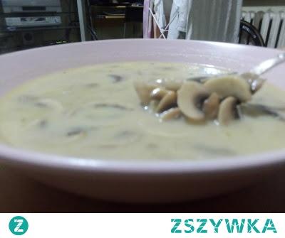 Krem pieczarkowy zamiast zupy grzybowej. Jego zalety to mała ilość węglowodanów, dużo wartości odżywczych brak dodatkowego białka