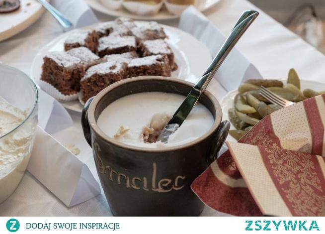 Czy smalec może być fit? 20 marca 2019  Tradycyjny smalec, który w wielu restauracjach podawany jest jako przekąska przed posiłkiem to typowy tłuszcz pochodzenia zwierzęcego. Jest on pozyskiwany jest z tkanki tłuszczowej drobiu, bydła oraz świń. W dawnych czasach stanowił on swojego rodzaju dodatek do wielu potraw klasycznej kuchni polskiej. Jednak z czasem zaczął on tracić na swojej popularności. Dlaczego jednak tak się… Przeczytaj więcej kliknij w zdjęcie