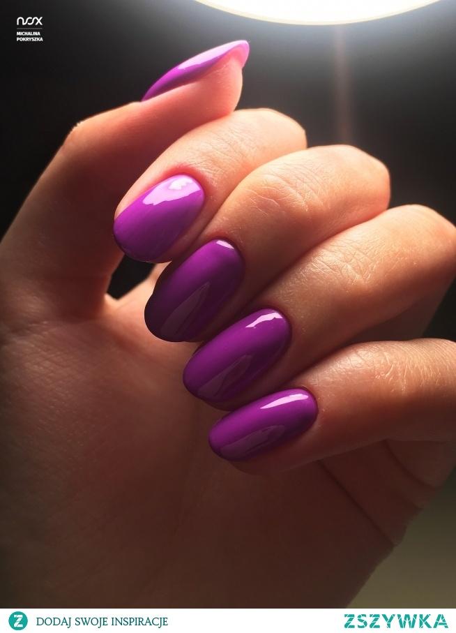 Śliwka to kolor dla prawdziwych fanek fioletu, który sprawdzi się zarówno jesienią jak i zimą! Co o niej sądzicie?