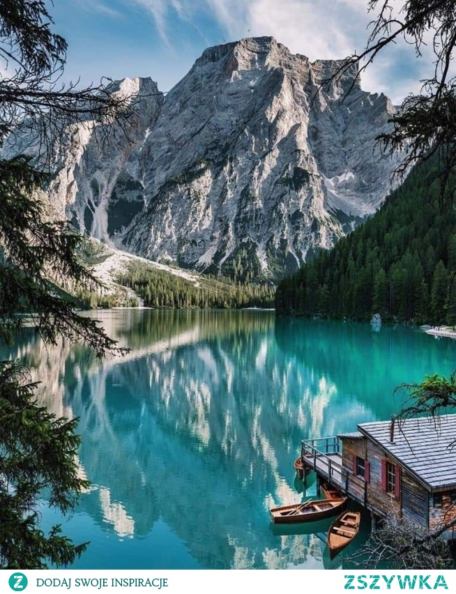 Lago di Braies, Italy. Photo by:@kyrenian (IG)
