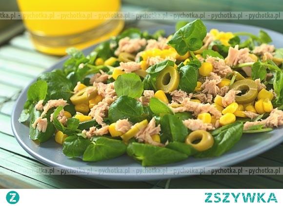 Sałatka z tuńczyka i oliwek