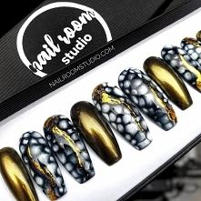 paznokcie press on nailroomstudio.com by Iga Otczyk - Instagram @nailroomstudio #pressonnails #nailspoland #paznokciepresson #nailsdid #customnails #fauxongles #nailroomstudio