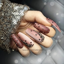 paznokcie press on nailroomstudio.com by Iga Otczyk - Instagram @nailroomstudio #pressonnails #nailspoland #paznokciepresson #nailsdid #customnails #fauxongles