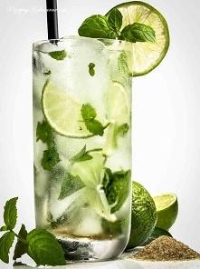 Mocno orzeźwiający limonkowy napój