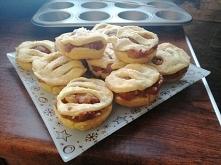Mini babeczki  z jabłkiem