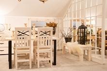 Drewniane krzesła bielone z stalowymi dodatkami meble-woskowane.com.pl