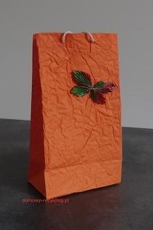 torebkę na prezent wykonała...