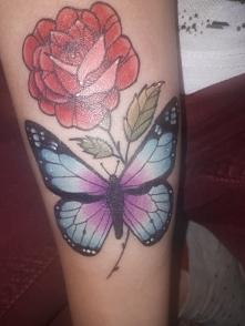#róża #motyl #tatto
