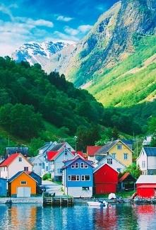 Kolorowy krajobraz z Norwegii