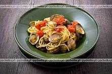 Spaghetti z pomidorami i ow...