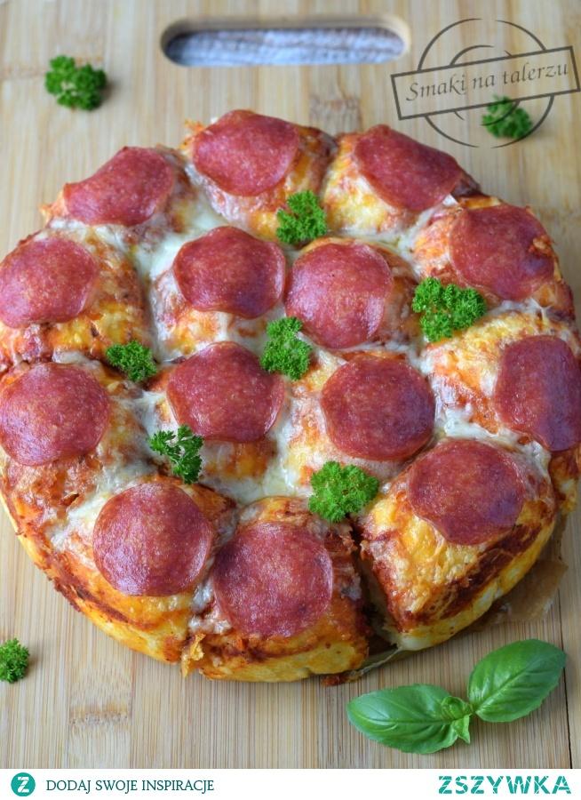 Pizza balls - pizza do odrywania z ciągnącym się serem i salami