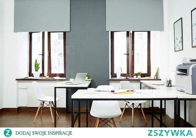 Podczas aranżacji wnętrza jednym z najistotniejszych elementów wystroju są dekoracje okienne. Rolety czy żaluzje – co wybrać? Sprawdźcie!