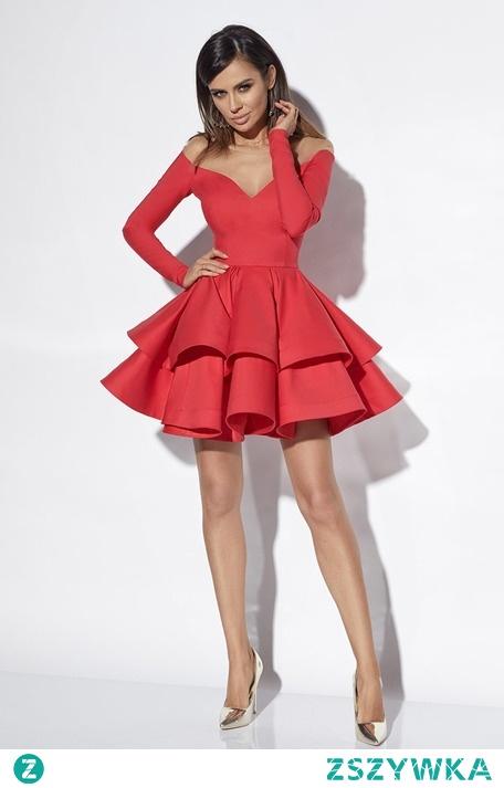 Valentine lou to sukienka, w której poczujesz się niezwykle kobieco. Podkreślony dekolt, wyeksponowane nogi i ramiona, a także niezwykle efektowny, rozkloszowany dół. Musisz ją mieć w swojej szafie!
