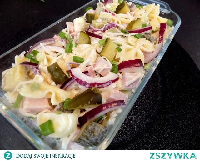 Pyszna, szybka i pożywna sałatka w 15 minut.