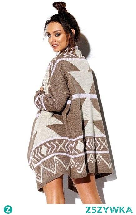 Luźny sweter damski półgolf z dłuższym tyłem