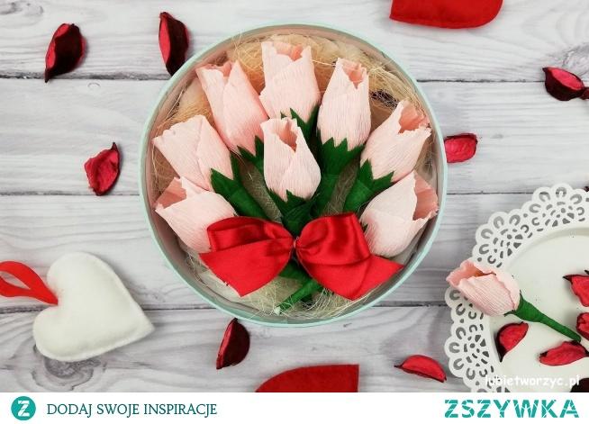 Tutorial prezentujący sposób tworzenia ślicznego upominku w postaci flower boxa - z lizakowymi różami w środku :)
