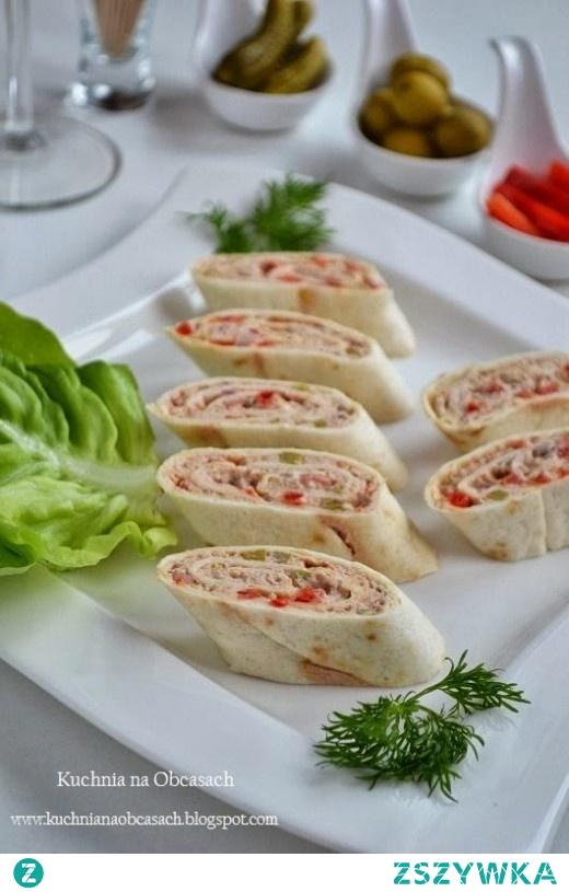 Rollo z tortilli z tuńczykiem