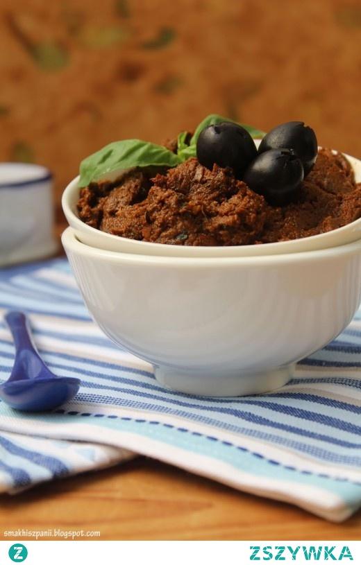 Pasta z czarnych oliwek, bazylii i suszonych pomidorów Smak Hiszpanii i nie tylko…
