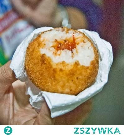 Sycylijskie arancini – nadziewane ryżowe kulki