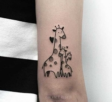 Rodzina żyraf tatuaż