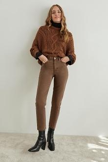 5-lommers mom jeans med høyt liv, avslappet passform og avsmalnende ben. Aute...