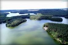 Lubiąż- Jezioro Lubniewickie (woj. lubuskie) – Jest jednym z trzech jezior grupy lubniewickiej. Akwen na dobrze rozwiniętą linię brzegową, dwie wyspy, liczne zatoki i półwyspy, ...