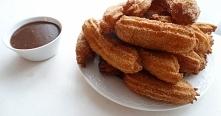 Churros – hiszpański przysmak. Tradycyjny wypiek hiszpański z ciasta parzoneg...