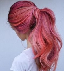 dimensional pink hair