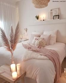 sypialnia z rozowymi dodatkami
