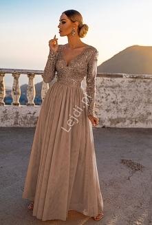 Długa suknia dla druhny. Su...