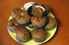Korzenne muffinki ze śliwkami
