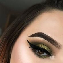 maquillaje verde con dorado