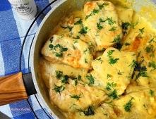 Schab w sosie śmietanowo-czosnkowym. Prosty i szybki pomysł na obiad, do tego bardzo smaczny. Schab nie zawsze musi mieć postać kotleta lub pieczeni.