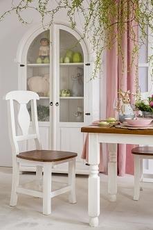 Bielona witryna z litego drewna do jadalni a może do salonu? meble-woskowane....