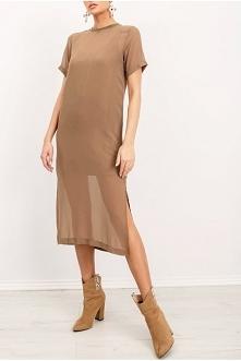 Beżowa sukienka w typie t-s...