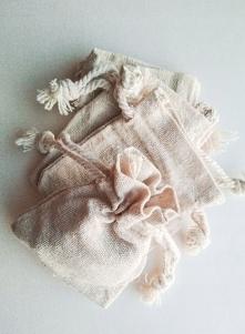 ktoś chętny na nieużywane woreczki lniane? :)