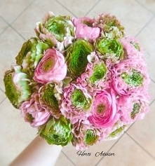 These gorgeous flowers are beloved for their brilliantly colored double-ruffled petals, tall stems, and long vase life.