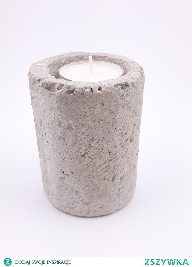 Świecznik cementowy