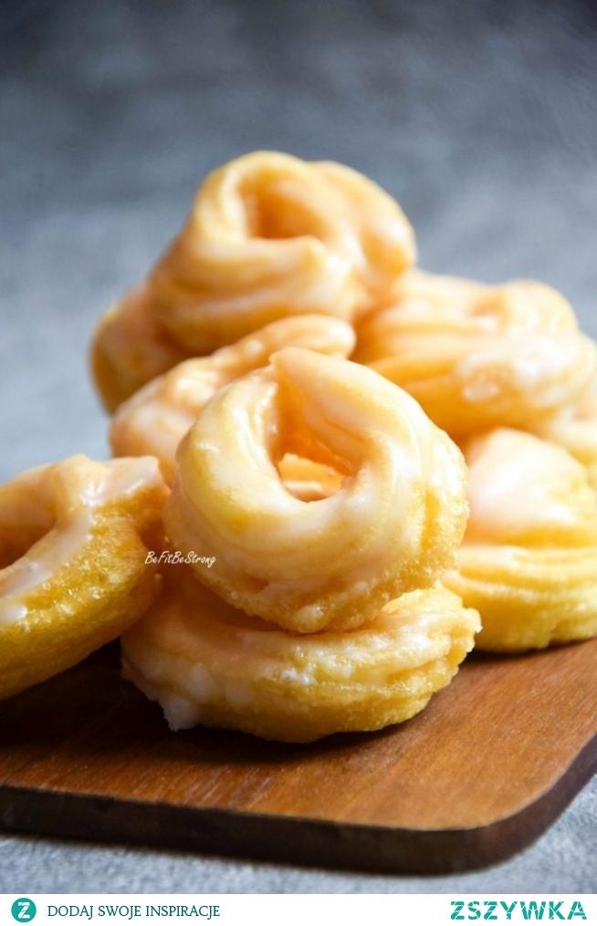 Żytnie pączki hiszpańskie z lukrem z ginem – żytnie churros. Przepis po kliknięciu w zdjęcie.