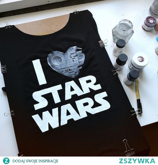 Koszulka ręcznie malowana by EveryWear :) Maluje na dobrych jakościowo koszulkach, które szyte są specjalnie dla mojej firmy. Zapraszam! Everywear.pl