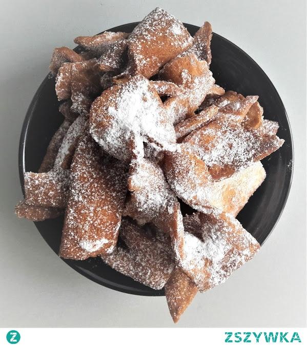 Czym się jutro objadacie? :)  Faworki bezglutenowe to mój przepis i mój typ! :)  Zapraszam na bloga! :)