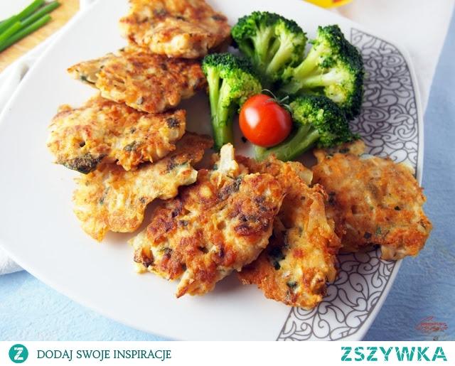 Siekane kotleciki drobiowe z warzywami i serem