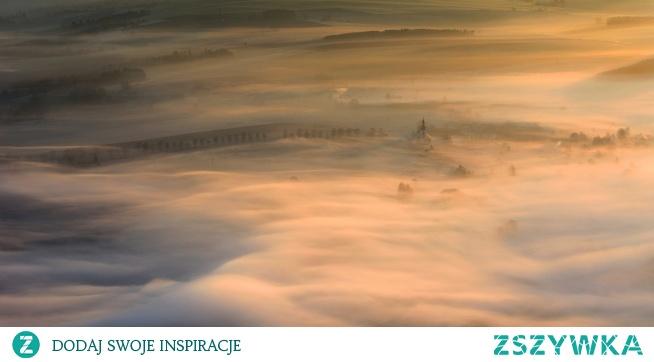 Warsztaty fotograficzne Góry Stołowe to znakomita oferta dla osób, które chcą wykonać zdumiewające zdjęcia. Wrócisz z kursu z mnóstwem inspirujących zdjęć i pięknymi wspomnieniami! Nie zwlekaj i zapisz się już dziś!