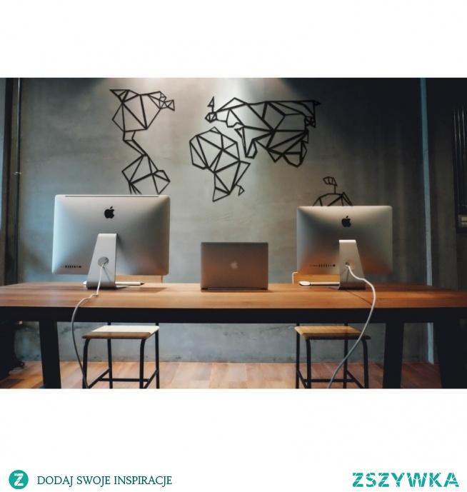 Dekoracja ścienna z metalu WORLD firmy FLOXXY to mapa świata. Oryginalna i świetna propozycja dekoracyjna na ścianę do mieszkania czy biura, która fantastycznie odmieni wnętrze. Metalowa dekoracja z charakterem dla każdego miłośnika podróży :) i nie tylko. Dekor wykonany z wytrzymałego materiału składający się z 4 oddzielnych elementów, który po montażu przedstawi fenomenalny kształt kontynentów.