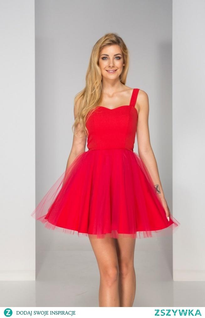 Sukienka tulla czerwona to obowiązkowe wyposażenie każdej damskiej garderoby. Szukasz stylizacji, w której poczujesz się wyjątkowo? Nie czekaj! Musisz ją mieć!