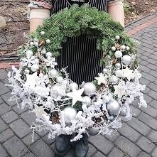 #christmastime #christmasdecorations #christmaswreaths #xmas #christmaswreath #christmas #christmasdecor #xmasdecor #mypassion #wreaths #wreath #wreathforsale #outdoordecoration...