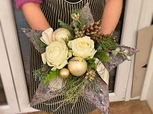 Christmas bouquet made of ornate in the shape of a star. This is an original Christmas gift.   Bożonarodzeniowy bukiet wykonany na kryzie w kształcie gwiazdy. To oryginalny prez...