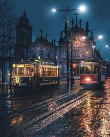 Deszczowy wieczór w Porto, ...
