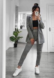 Co sądzicie o garniturach dla kobiet? Są trendy czy może jednak już nie wyglądają dobrze?
